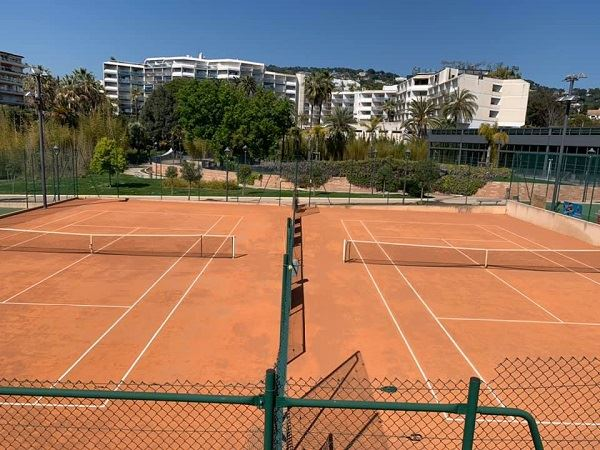 Les clubs de tennis de Cannes
