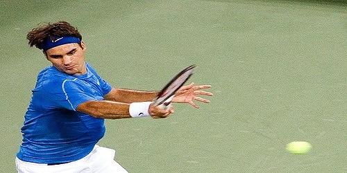 Accompagnement du coup droit au tennis