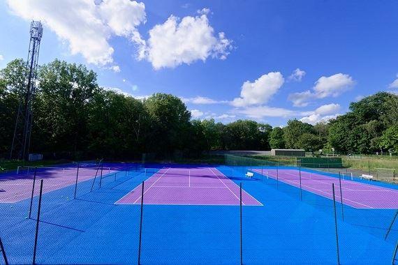 Les 2 clubs de tennis de Charleville-Mézière